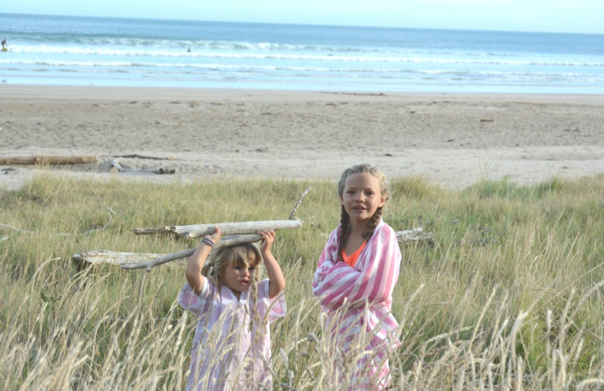 Ivy and Marlow in Makarori beach