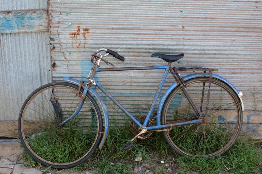 bicycle in arugam bay