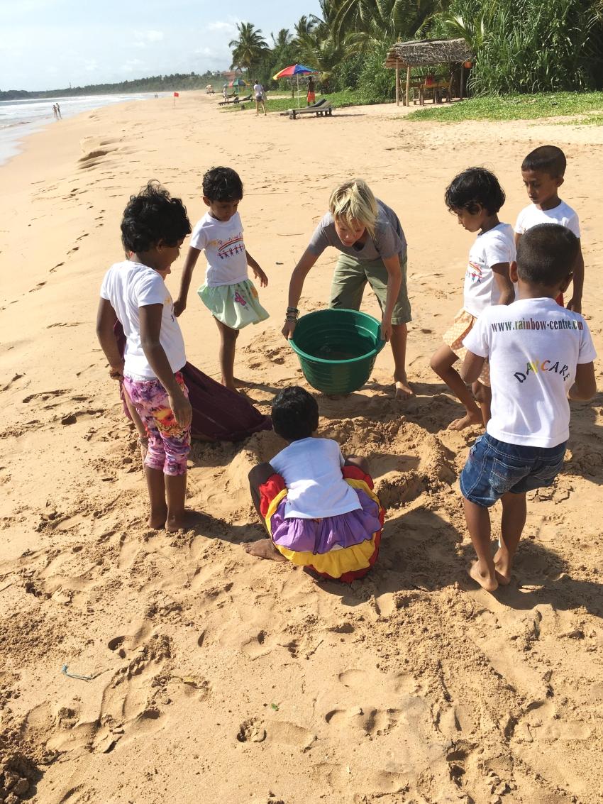 Easton and children on beach_RainbowCentre