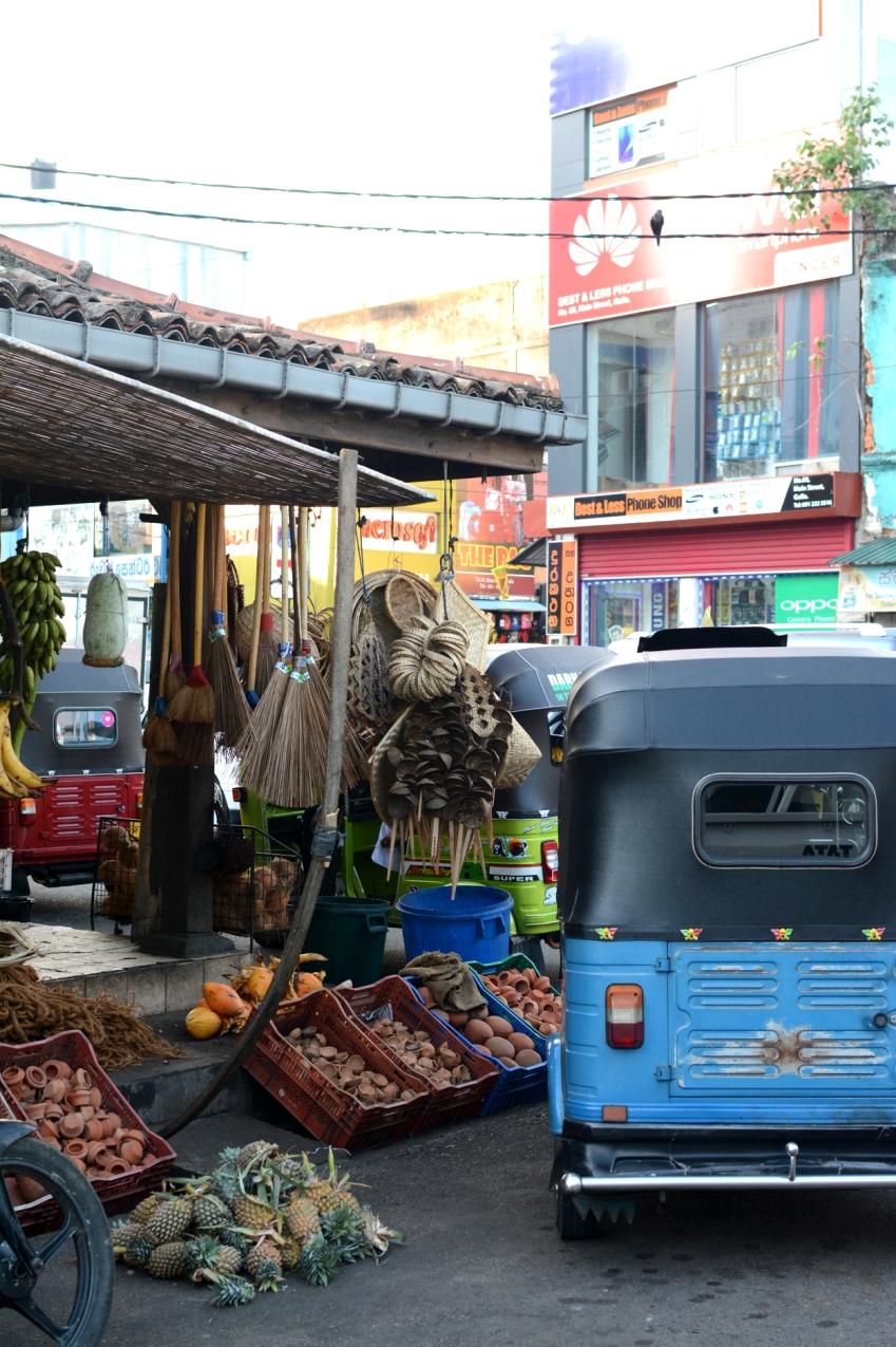 market and tuktuks
