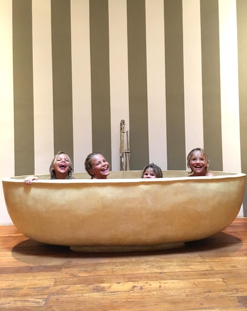 kids in bath at Wallawa
