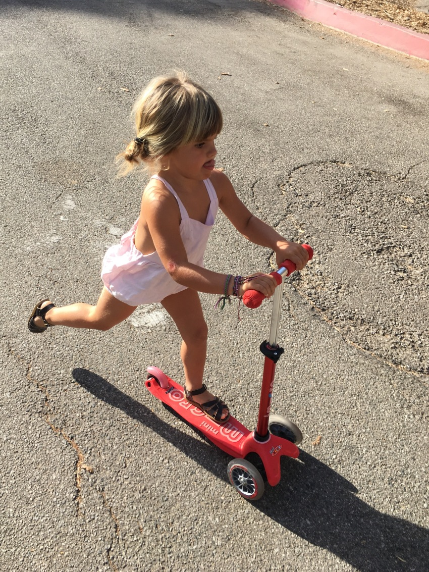 marlow-on-her-scooter