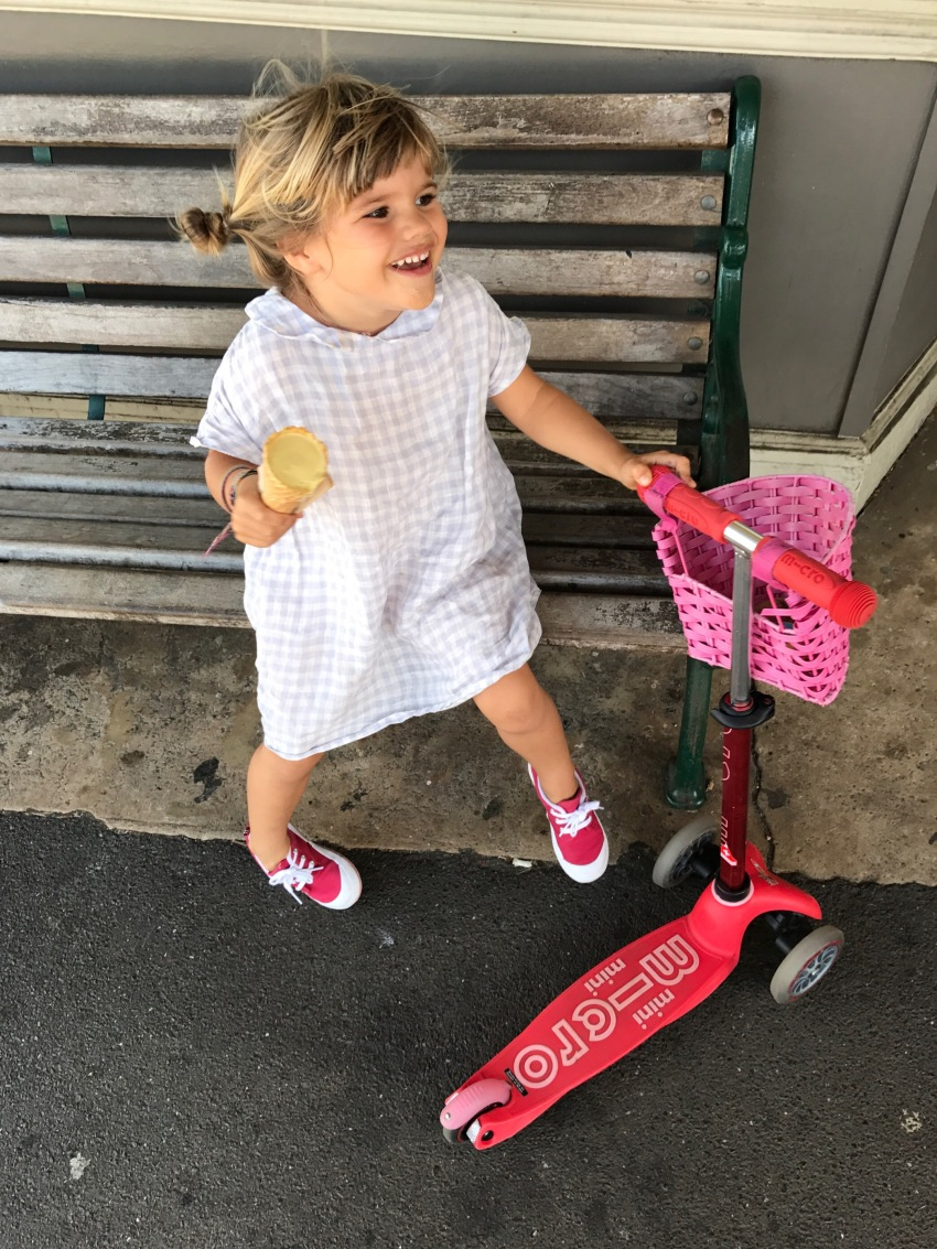 marlow-on-scooter