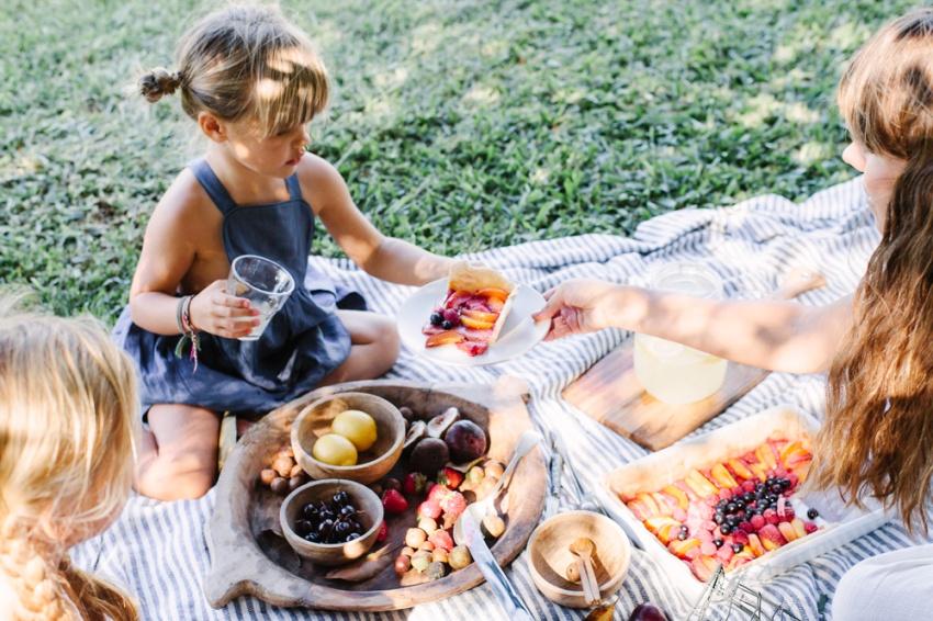 picnic-with-yoli-otis